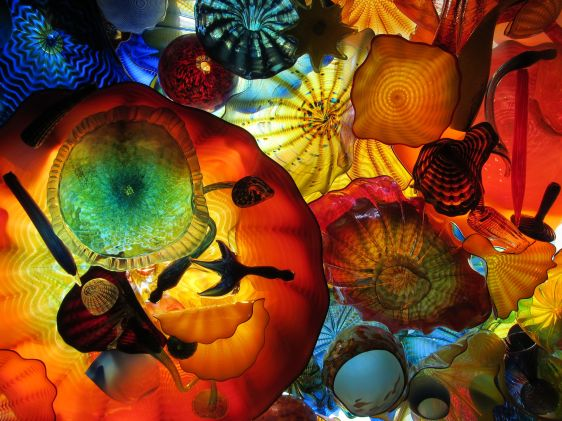 Dale Chihuly bridge of glass